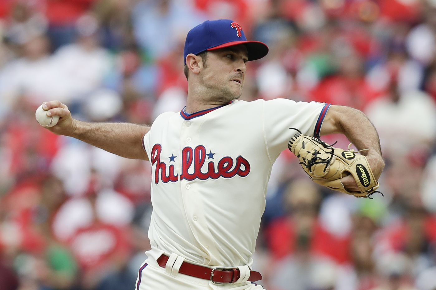 Phillies reliever David Robertson will miss at least another month