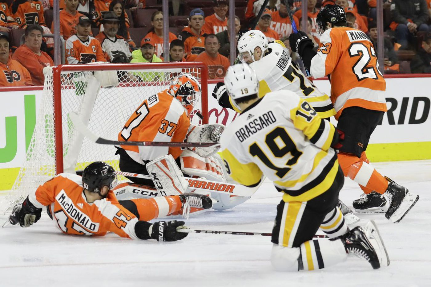 Flyers penalize themselves in loss to Penguins in NHL playoffs