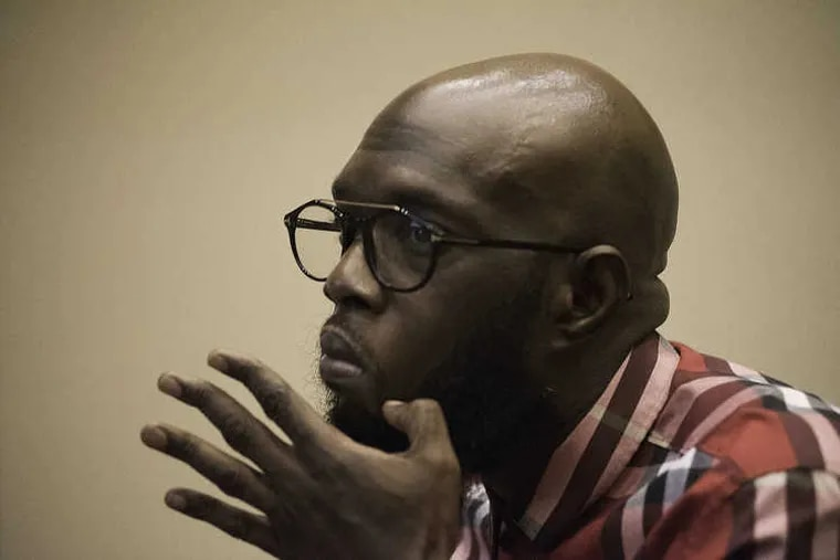 Philadelphia rapper Freeway discusses his need for a kidney transplant at the first in a series of information seminars  held for area Muslims on Islam and organ donation.