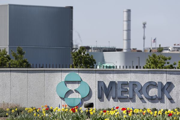 Pharma giant Merck to slash 500 jobs based in Philly suburbs; J&J to lay off 300