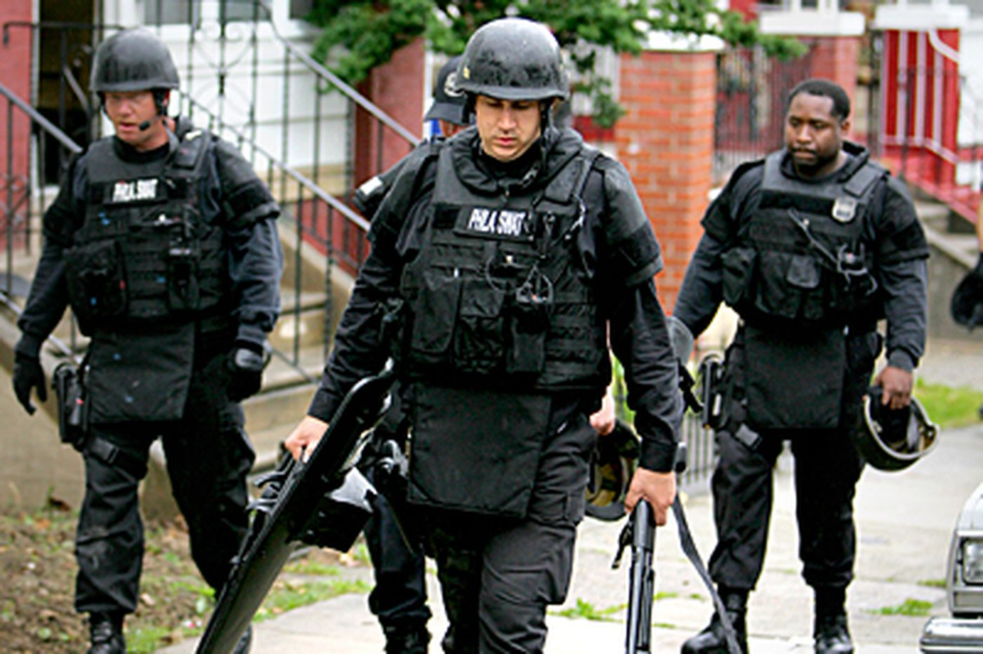 Phila. home invasion standoff ends with arrests
