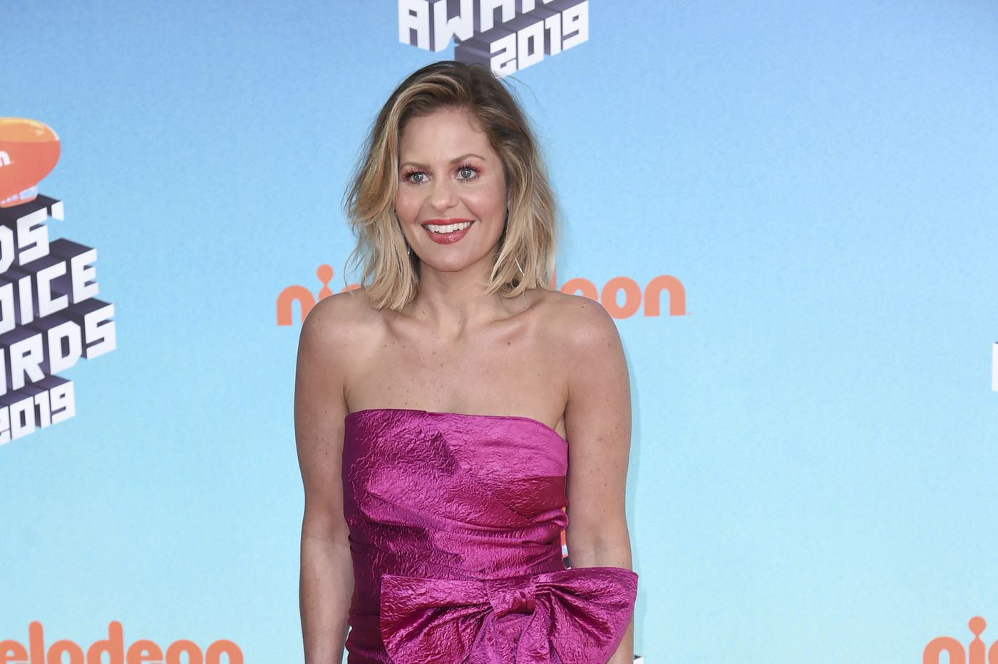 'Fuller House' actress gets co-star's support