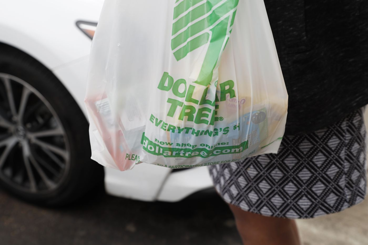 Banning dollar stores to prevent food deserts is unjust   Opinion
