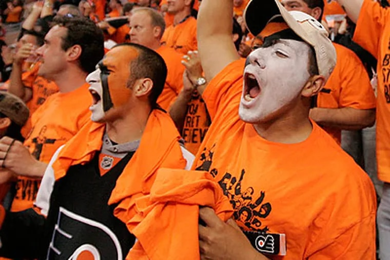 Flyers fans erupted when Claude Giroux scored the game-winning goal. (Michael Bryant/Staff file photo)