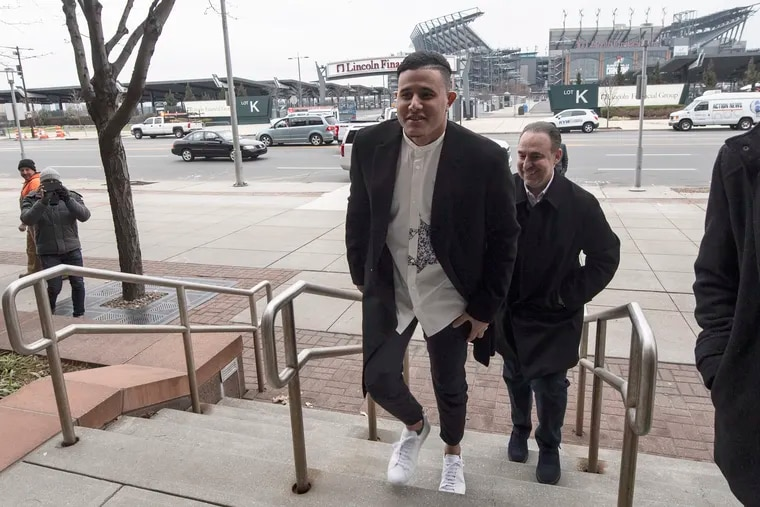 Manny Machado arriving at Citizens Bank Park to meet with Phillies staff Thursday.