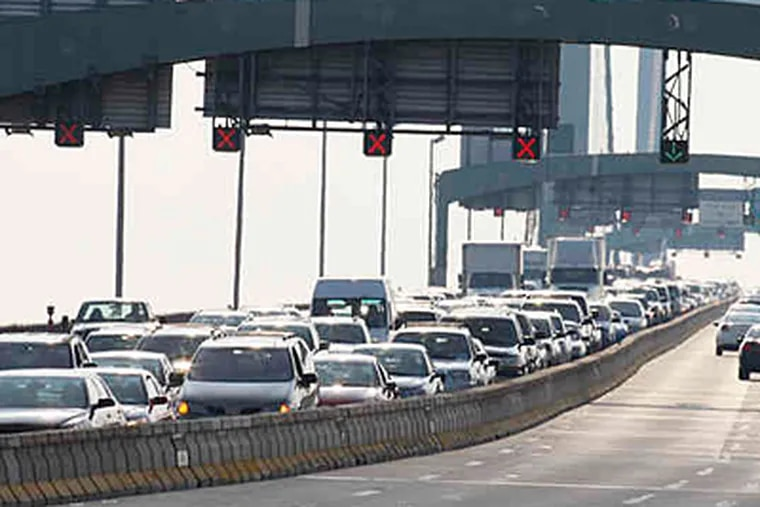 Commuters would see a 10 percent hike in PATCO fares on Jan. 1 and $1 bridge toll increase July 1 under a budget being considered by the DRPA. (ELIZABETH ROBERTSON / File)