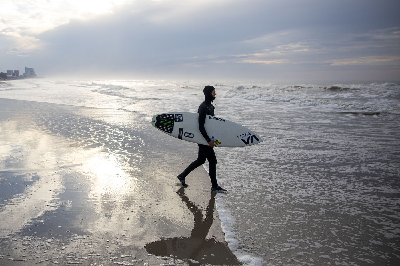 A Ventnor pro surfer returns to the water for the first time in 45 days: 'This is my deep breath'
