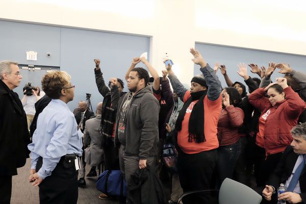 Protesters disrupt SRC meeting on new charters