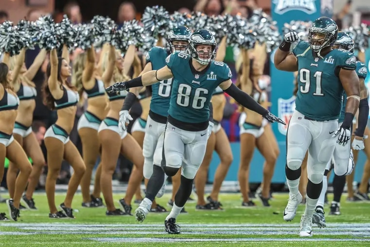 Zach Ertz and Fletcher Cox lead their team out of the tunnel during the Eagles introduction at the Super Bowl.