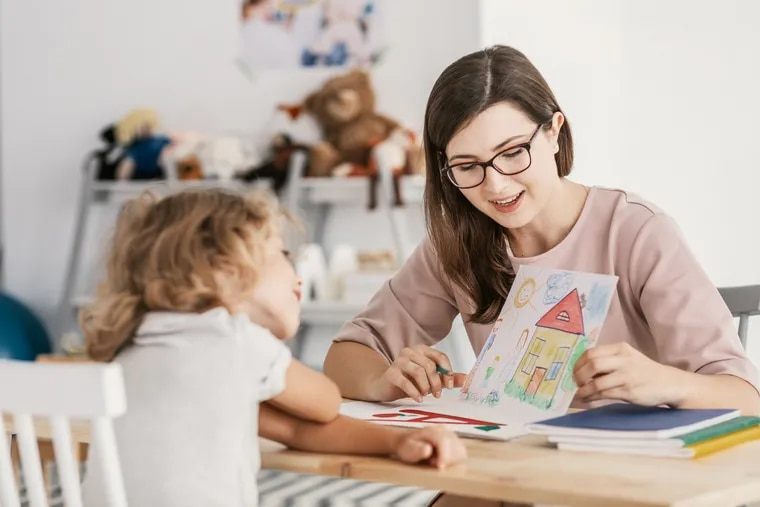 """The new research found that girls with autism use significantly more so-called cognitive process words – such as """"think"""" or """"know"""" or """"feel"""" – than boys on the spectrum."""