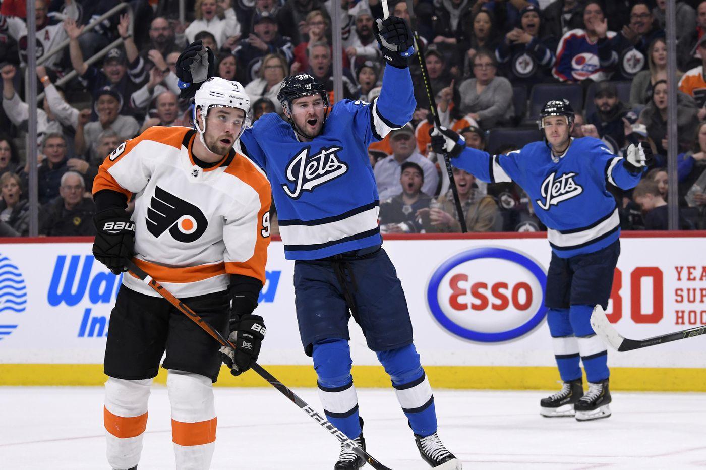 As Flyers' injury list grows, Carsen Twarynski, Nic Aube-Kubel are recalled from Phantoms