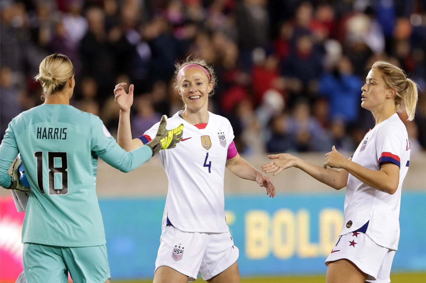Lindsey Horan's hat trick helps USWNT rout Panama 8-0 in Olympic qualifying