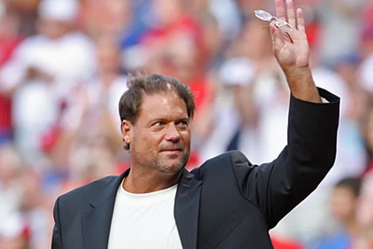 Former Phillies catcher Darren Daulton was inducted into the Wall of Fame last night. (David M Warren / Staff Photographer)