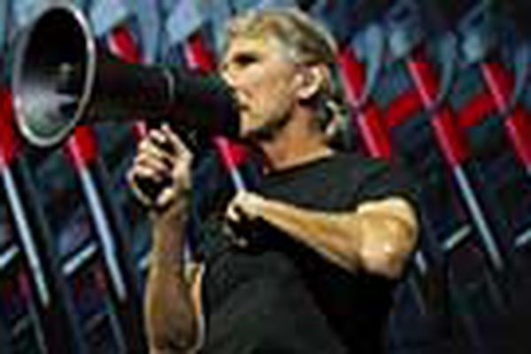 Roger Waters takes another crack at 'The Wall' at Wells Fargo Center