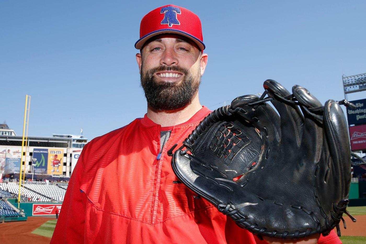Phillies reliever Pat Neshek has an 18-year-old glove and a fresh outlook | Matt Breen