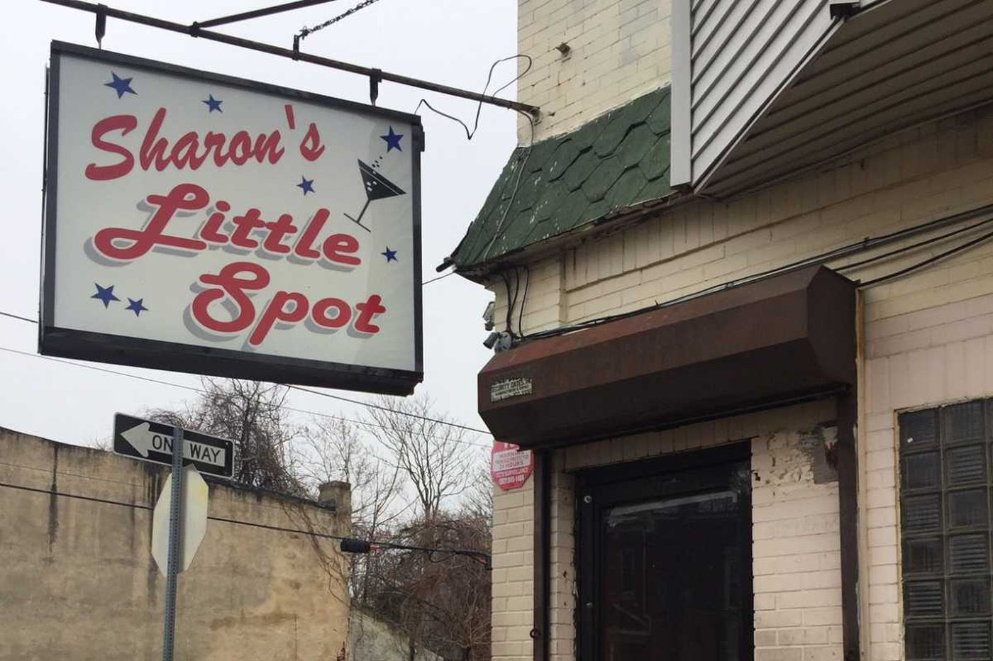 Bouncer charged with killing bar manager inside E. Germantown tavern