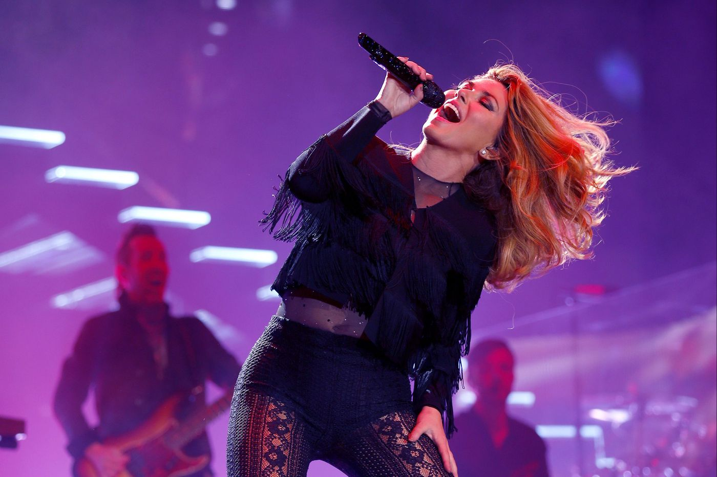 Shania Twain is still a rock star at the Wells Fargo Center