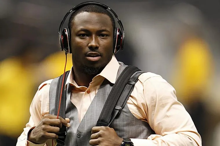 Eagles' LeSean McCoy walks through the Superdome before the Eagles played the New Orleans Saints on Monday November 5, 2012. (Yong Kim/Staff Photographer)