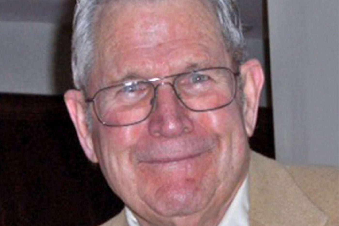 Henry A. Backe, 82, Dad Vail Regatta director