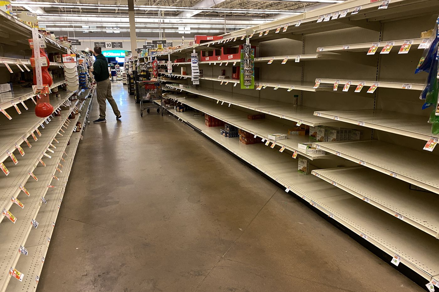 Grocery store exec: Please stop panic shopping | Opinion