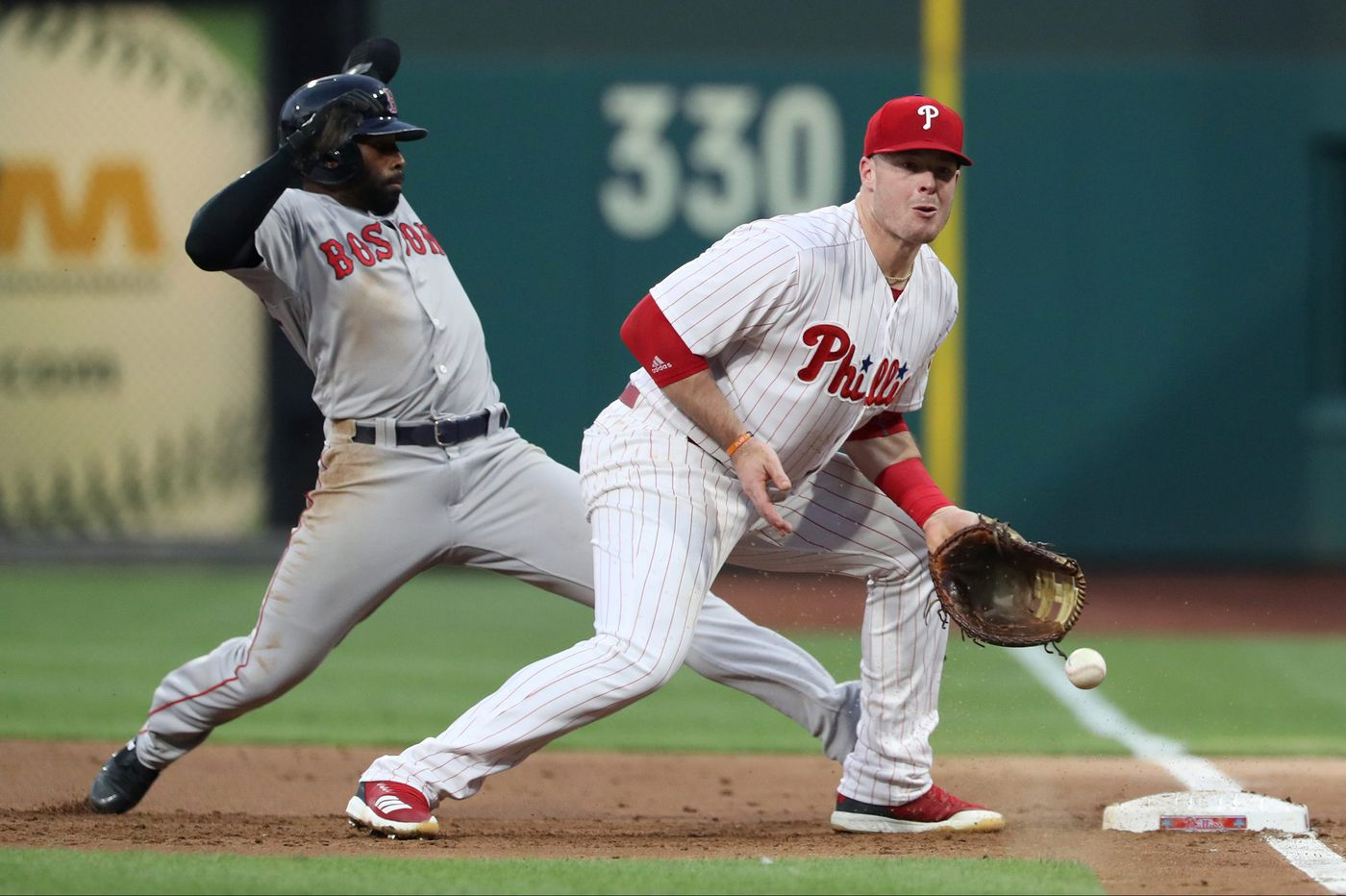 Phillies move on from Justin Bour, Luis Avilan