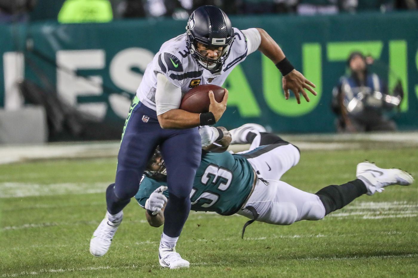 Russell Wilson's great NFL playoffs performance shows what Carson Wentz's concussion meant to the Eagles   Mike Sielski