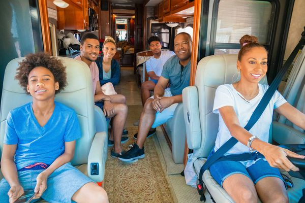 'Meet the Peetes': How an actress from Philly and an ex-Eagles QB found a home on the Hallmark Channel