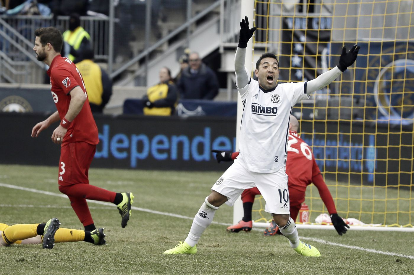 Union's Marco Fabián to be suspended for game vs. Columbus Crew