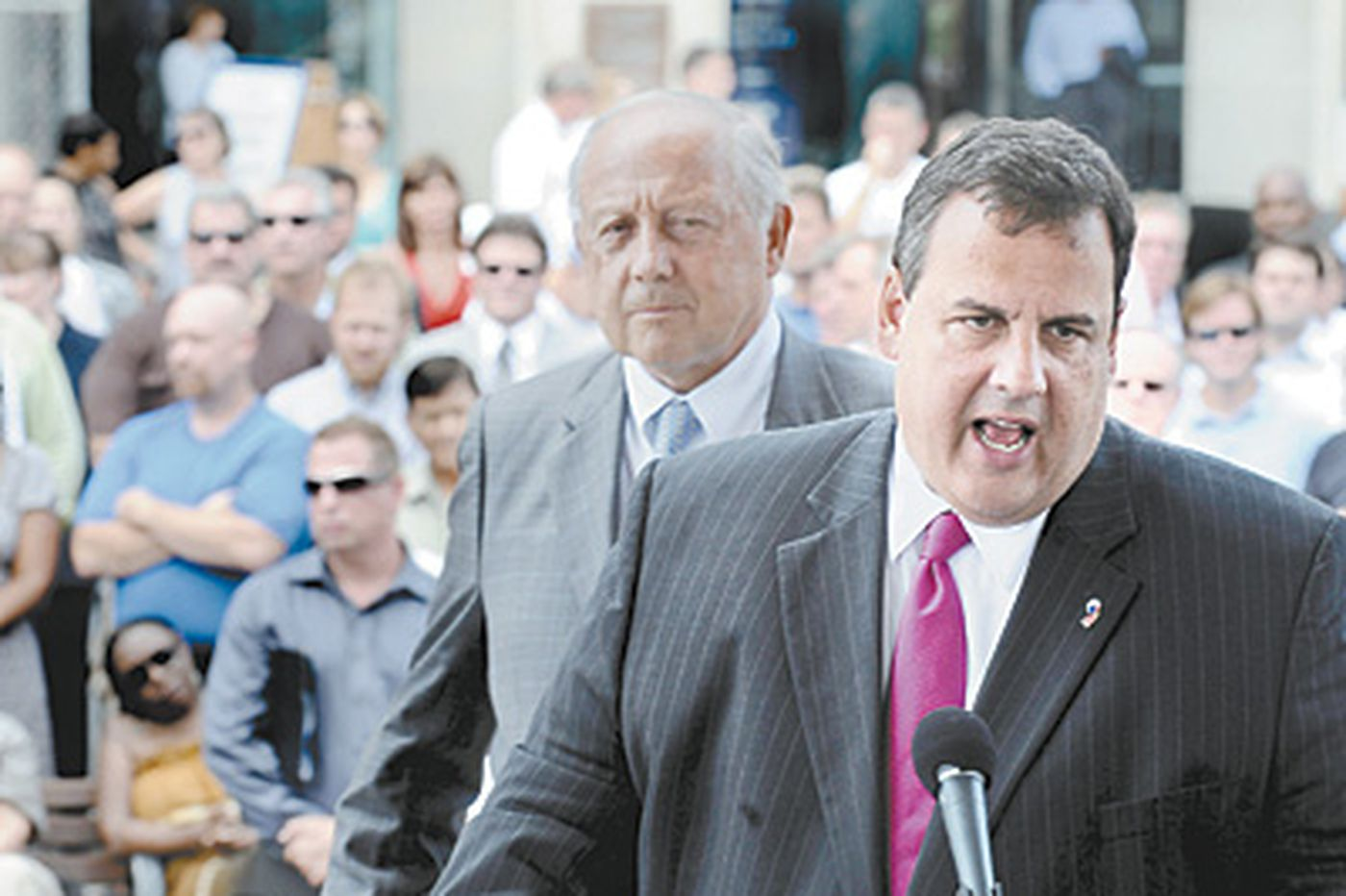 Christie a hot commodity among Republican candidates