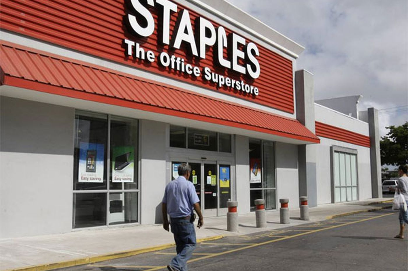Postal workers decry mail services in Staples stores