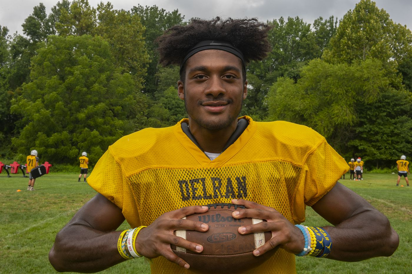 Football recruiting: Delran's R.J. Moten plans to play two sports at Michigan