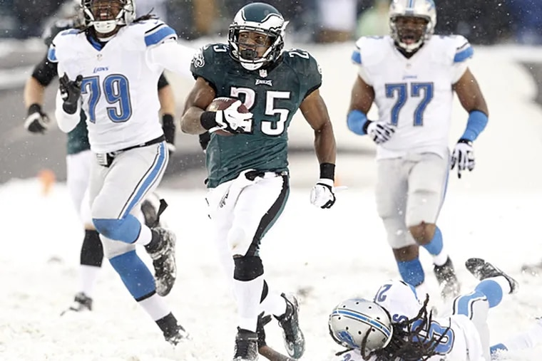Eagles running back LeSean McCoy runs for his second touchdown against the Lions. (Ron Cortes/Staff Photographer)