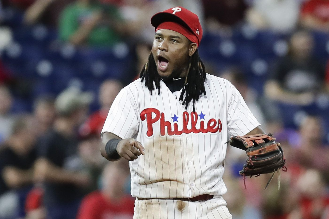 Maikel Franco cleared to play after being diagnosed with bruised right wrist