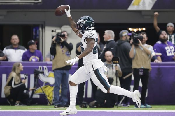 Eagles' loss to Vikings shows DeSean Jackson's absence isn't only wide receiver problem
