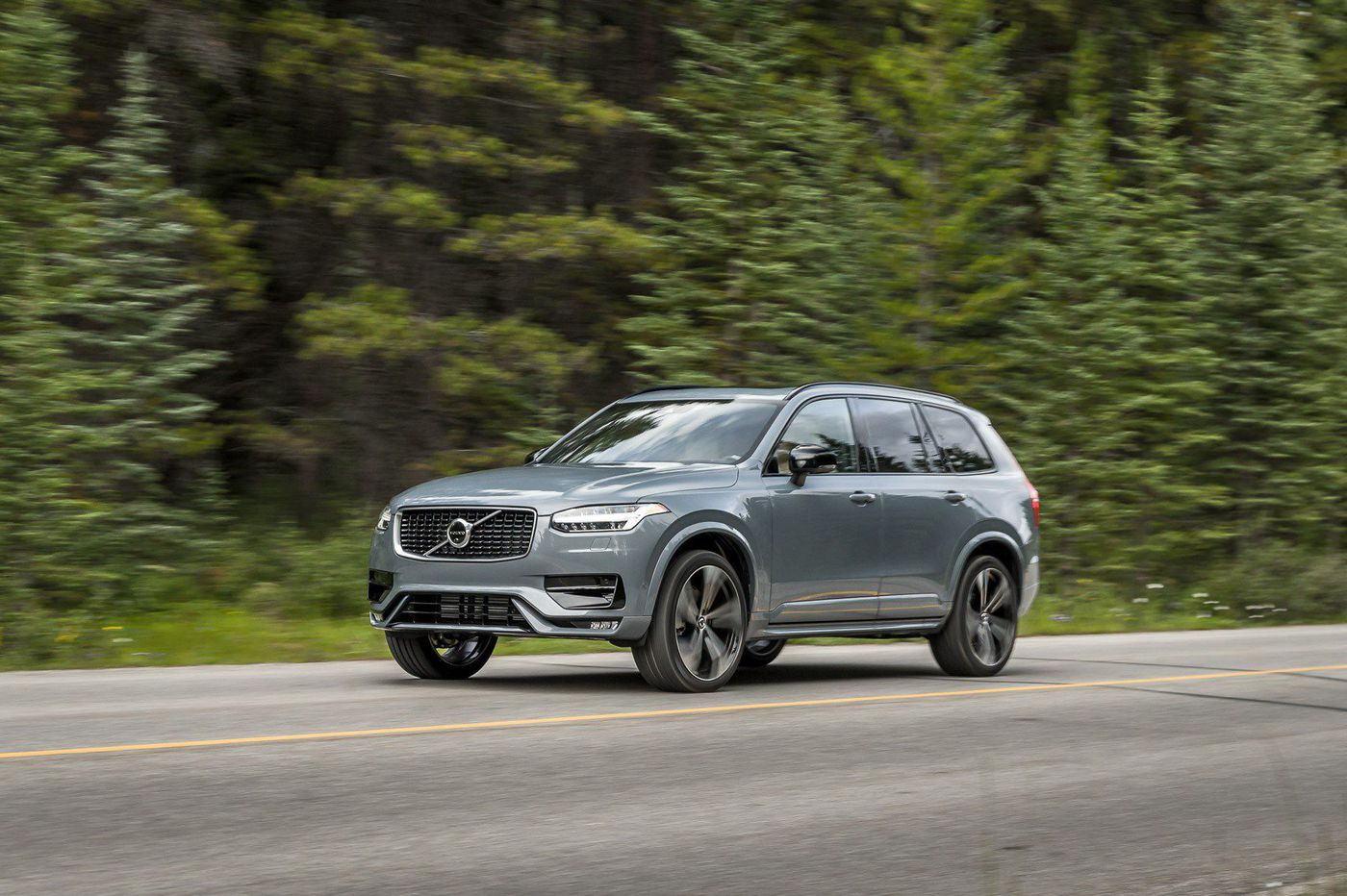 Plug-in Volvo XC90 offers luxury and speed, but with a touch of worry