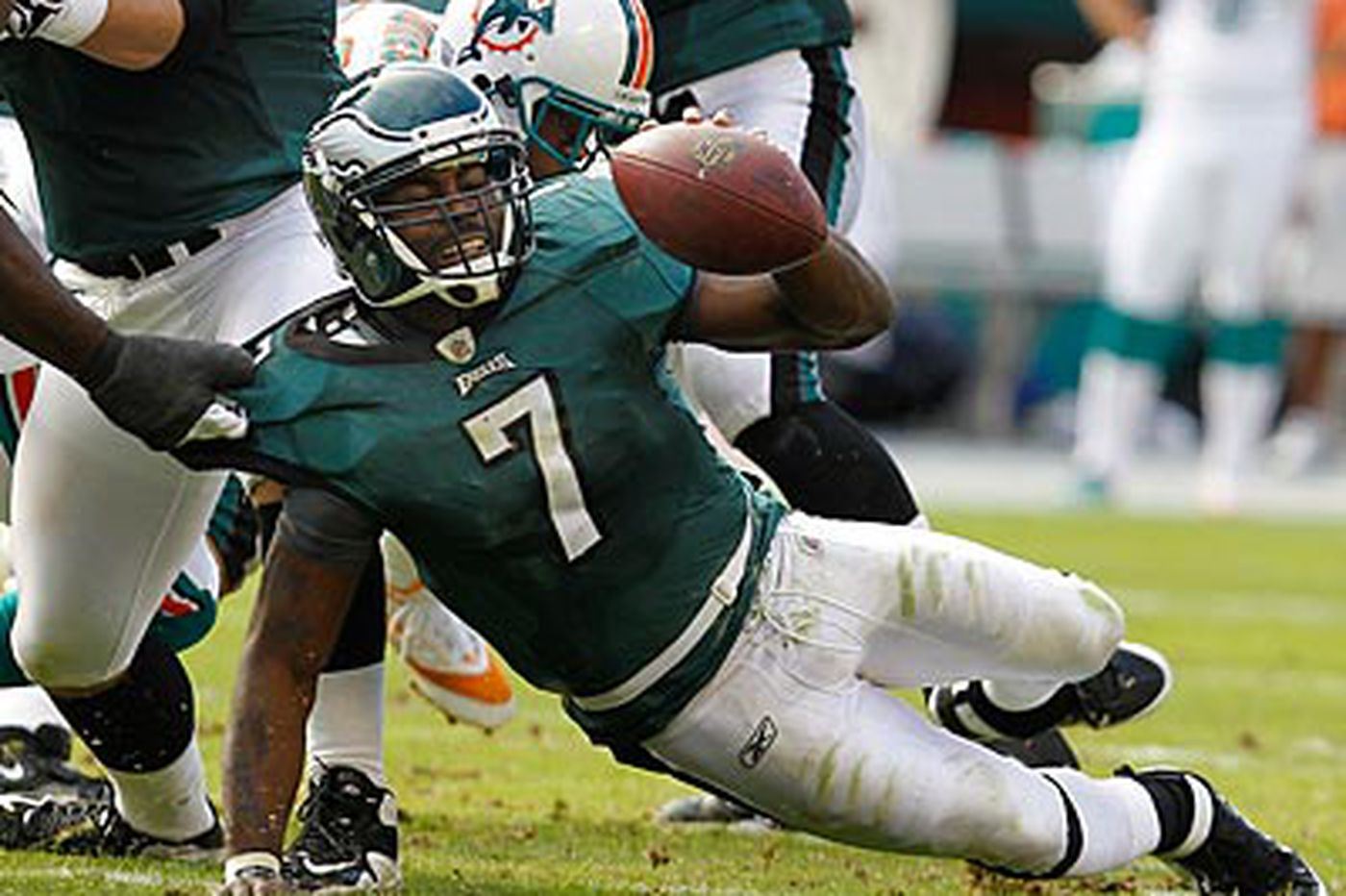 Eagles Notes: Vick feeling better and sticking with his style