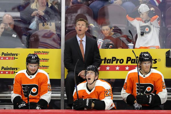 Fire Dave Hakstol? Make a big trade? Reality says the Flyers' best solution is simpler. | Mike Sielski