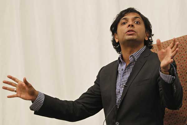 Filmmaker Shyamalan talks about improving schools