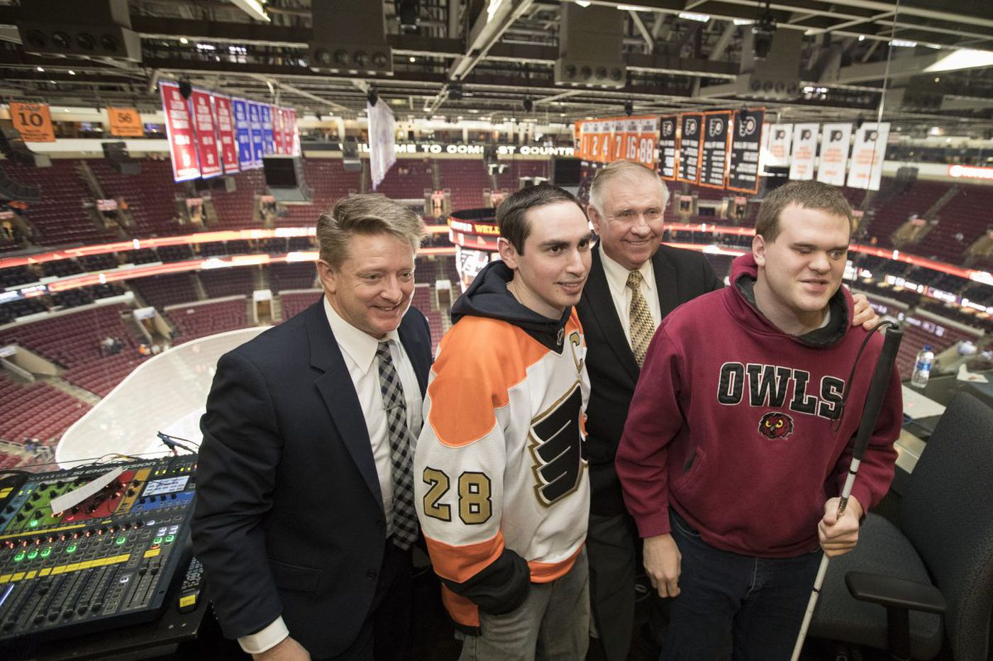 Flyers broadcaster Tim Saunders makes a dream come true for blind broadcaster Matt Wallace and pal Sam Fryman | Maria Panaritis