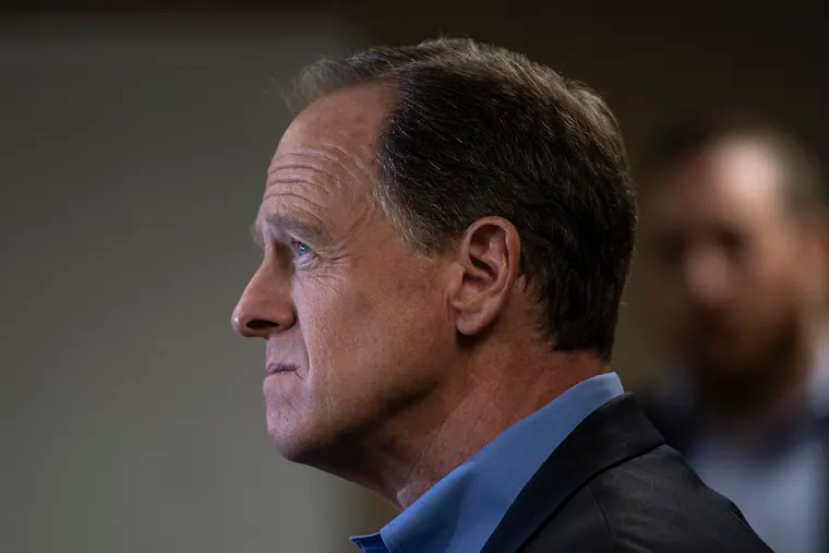 Sen. Pat Toomey (R., Pa.) speaks at the podium during a press conference at the U.S. Customs House on Tuesday, Aug. 6, 2019, in Philadelphia, Pa.