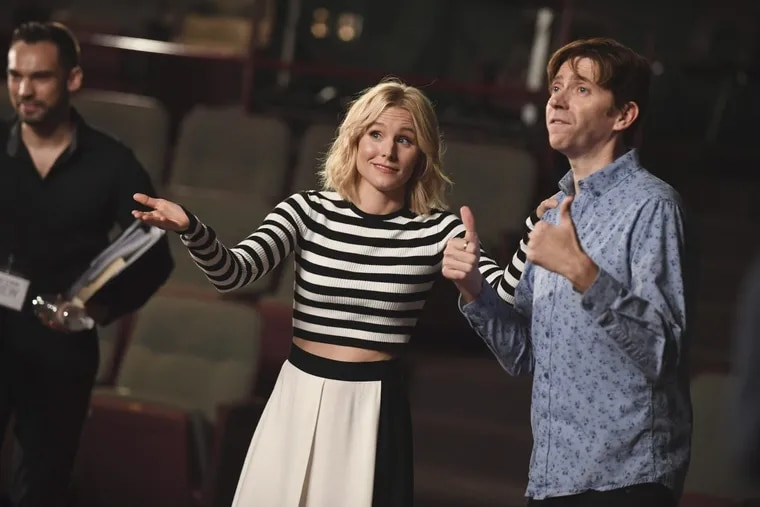 """Kristen Bell produces and appears in """"Encore!,"""" an ABC  special that reunites the cast of a high school musical to re-enact a show with the help of Broadway pros"""