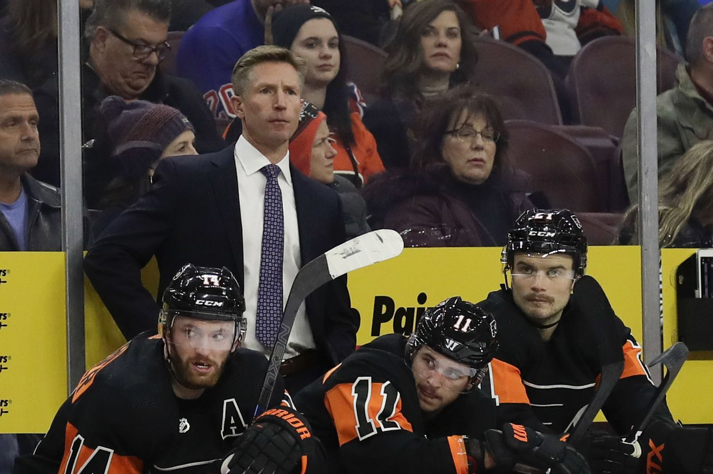 Former Flyers coach Dave Hakstol named an assistant with Toronto Maple Leafs