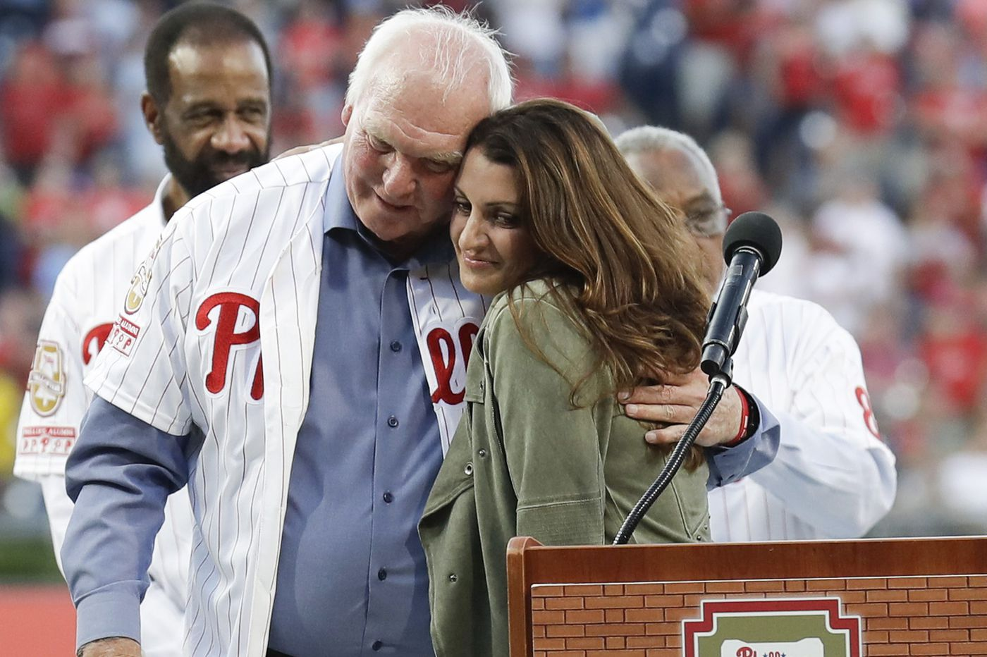 Phillies add Roy Halladay, Pat Gillick to Wall of Fame