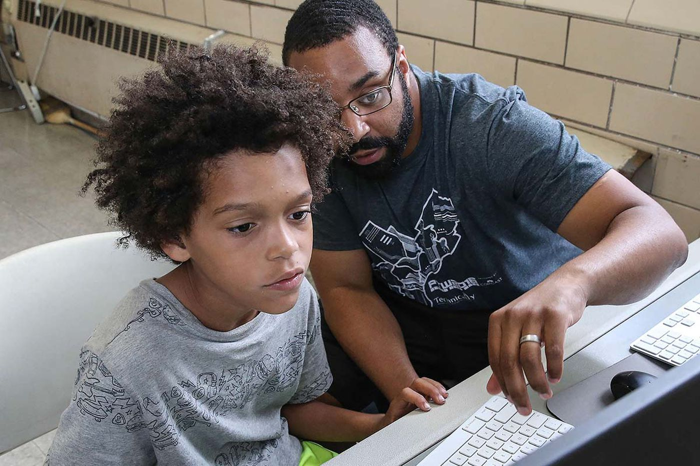 2018 Philadelphia Award goes to the founder of Coded by Kids