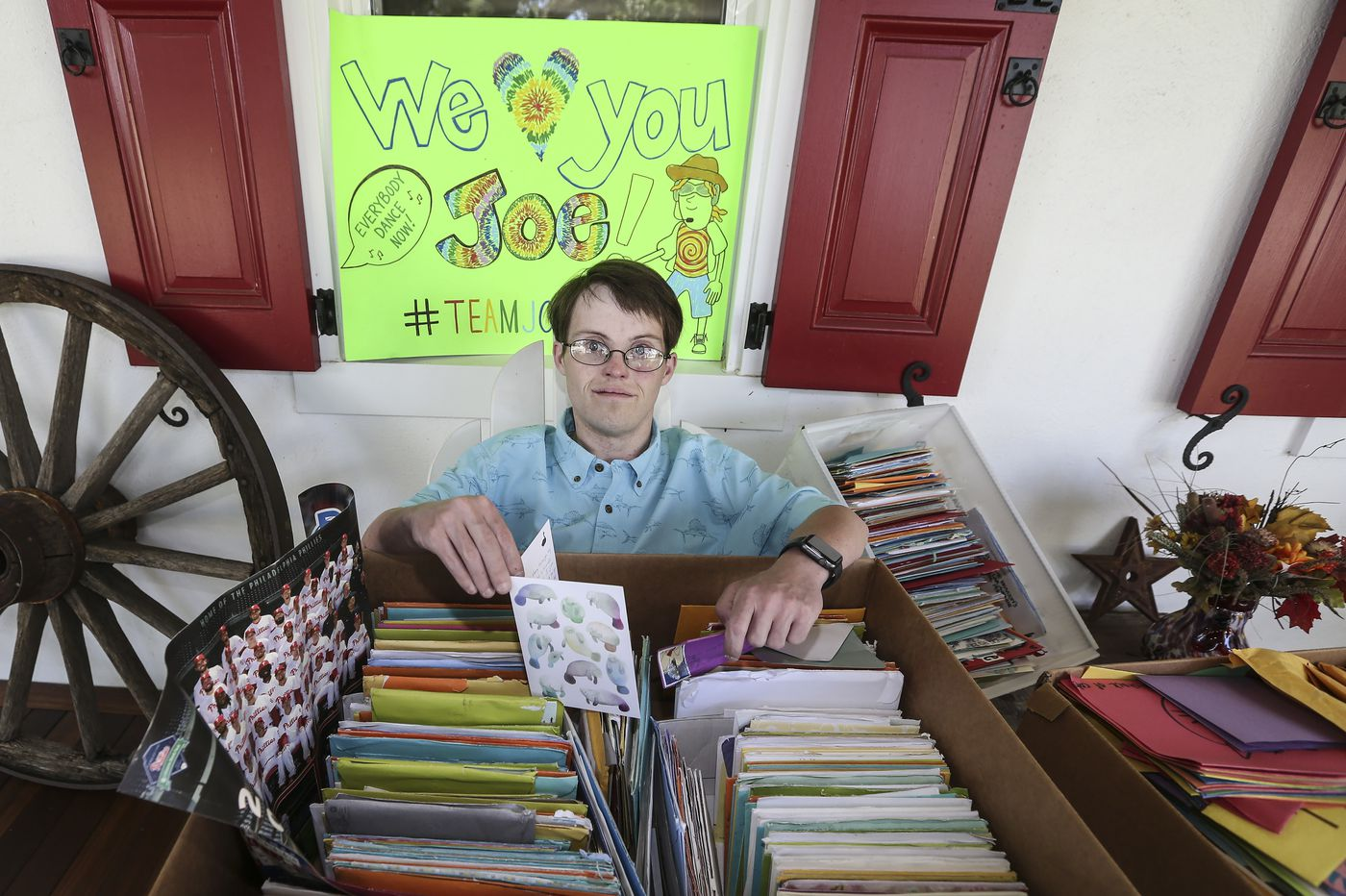 Strangers send Skippack man thousands of cards and letters while he awaits a double-organ transplant
