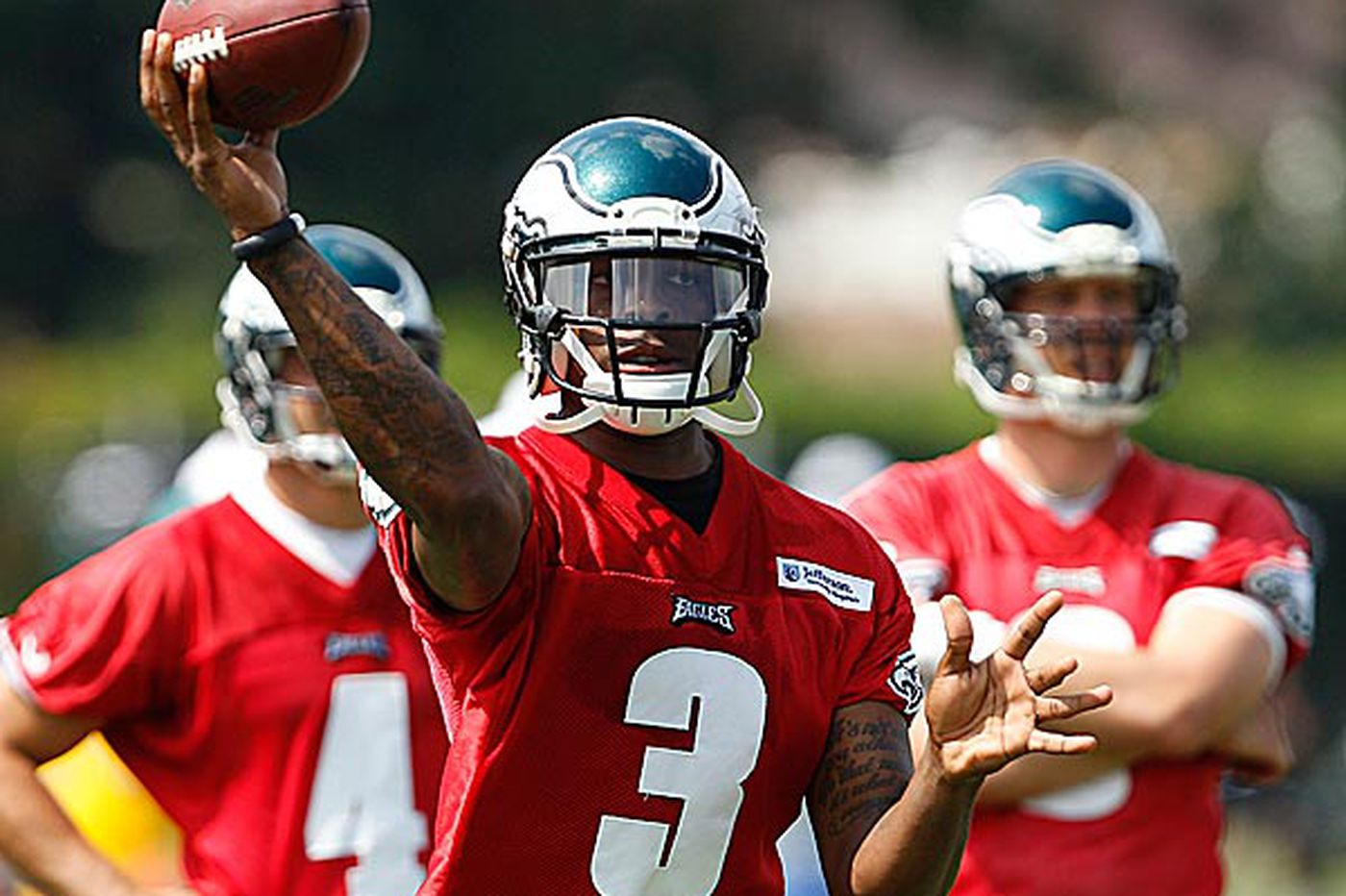 Eagles' Dixon: Don't forget about me