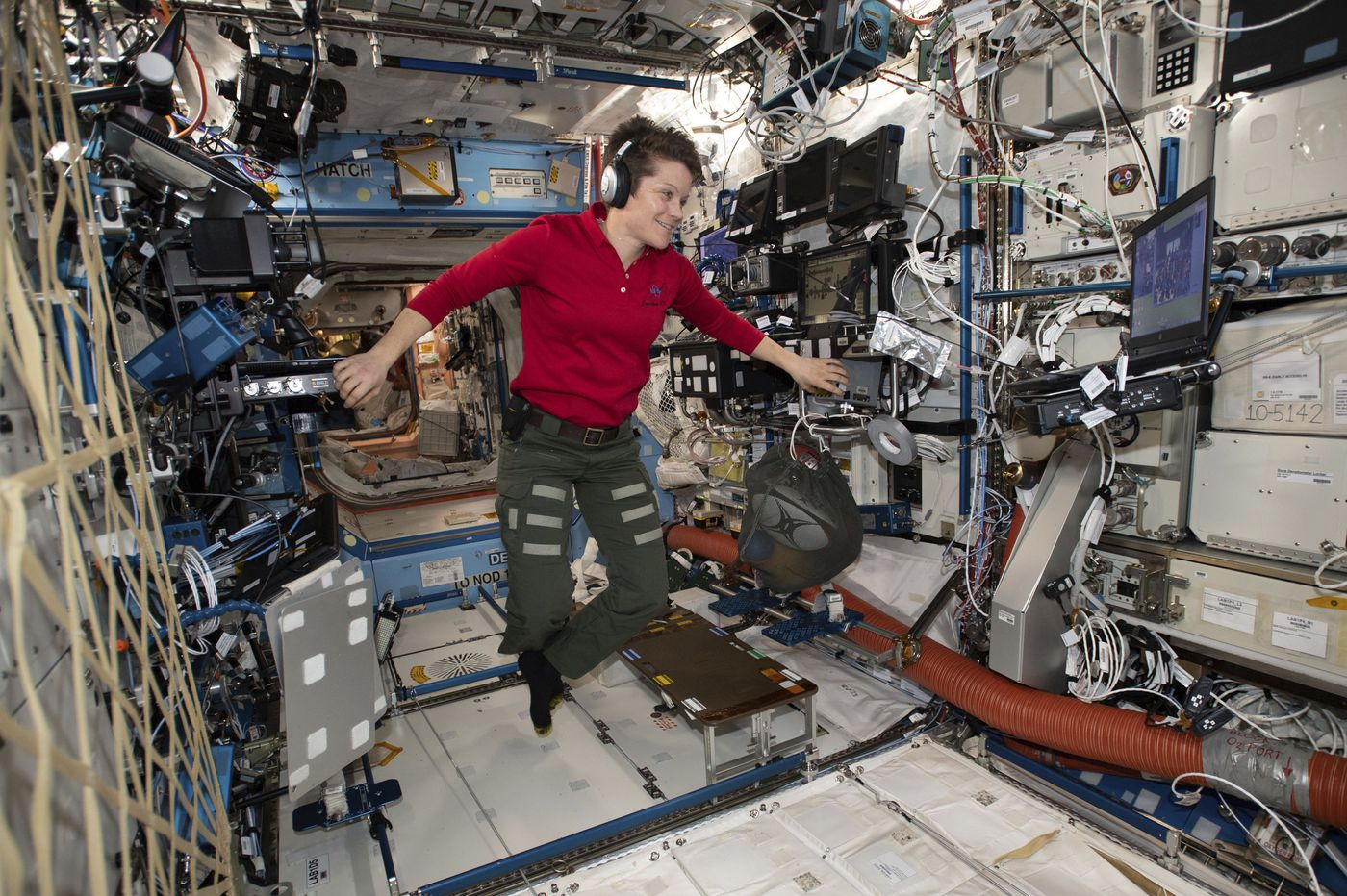 NASA nixes 1st all-female spacewalk due to suit-sizing issue