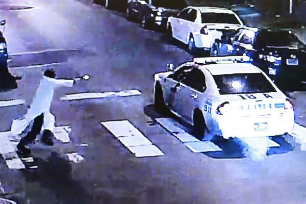 Alleged Philly cop shooter planned to kill officers, prosecutor says