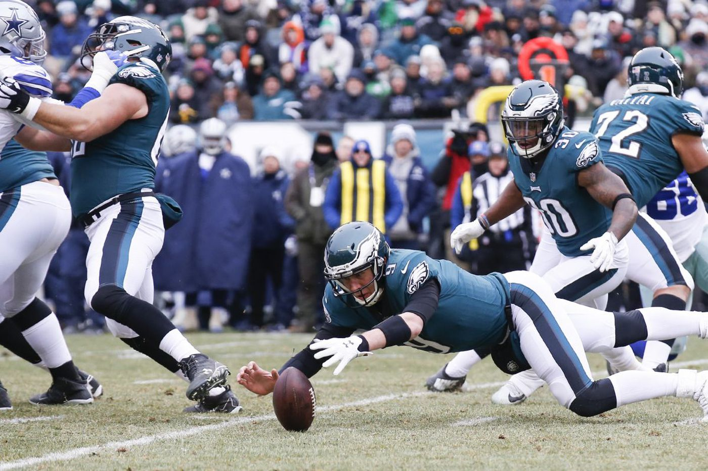 Nick Foles says he's still confident, despite another bad outing | Bob Ford