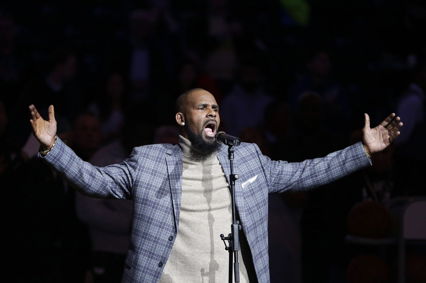 Sex-abuse survivors triggered by R. Kelly's explosive new docuseries gathered together to heal | Jenice Armstrong